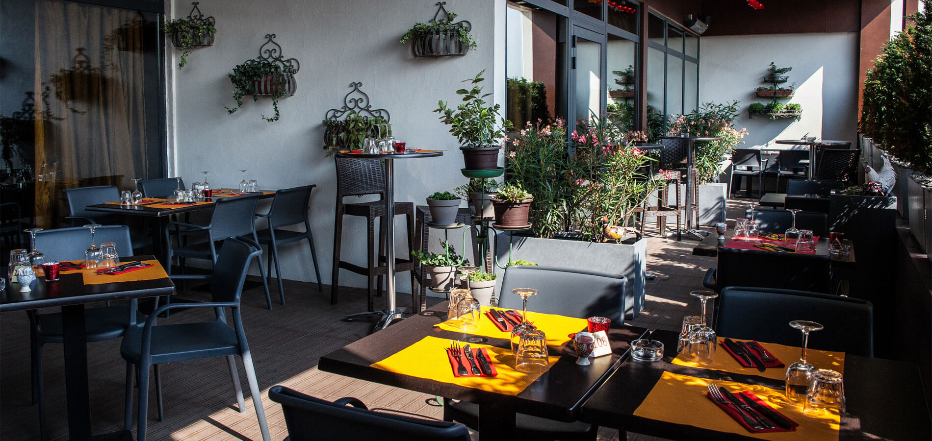 Terrasse du restaurant Le Spazio, espace fumeurs