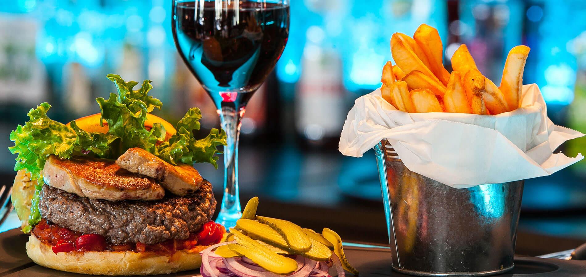 Burger foie gras du spazio Restaurant Pizzéria à Fécamp
